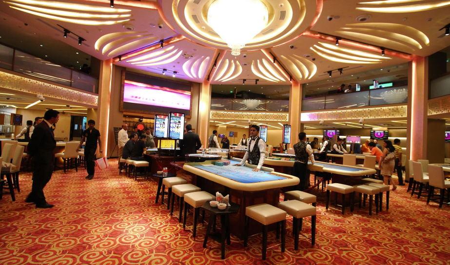Largest indian casino in or former las vegas casinos